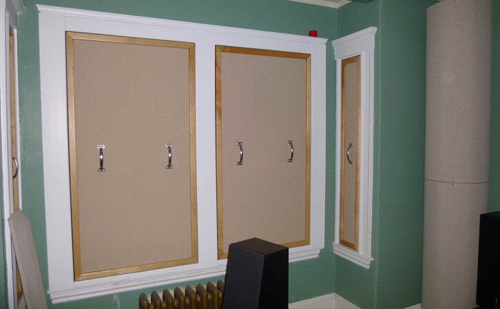 the use of windows plugs for soundproofing